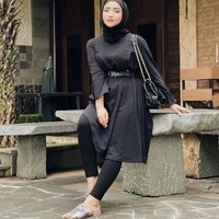 Loving how @nafilahaziz pairing our most beautiful Lavinia ❤️ steal her look now! ___ In collaboration VAIA X Wearing Klamby Shop this collection on : 🛒 www.tokopedia.com/vaia-official ___ #myVAIA #walkwithVAIA #VAIAlady #genuineleather #localbrand #localbrandid #premiumquality #fashion #style #ootd #shoes #fashionblogger #instafashion #shoestagram #instashoes #bloggerstyle #shoesoftheday #embelishedshoes #styles #shoelover